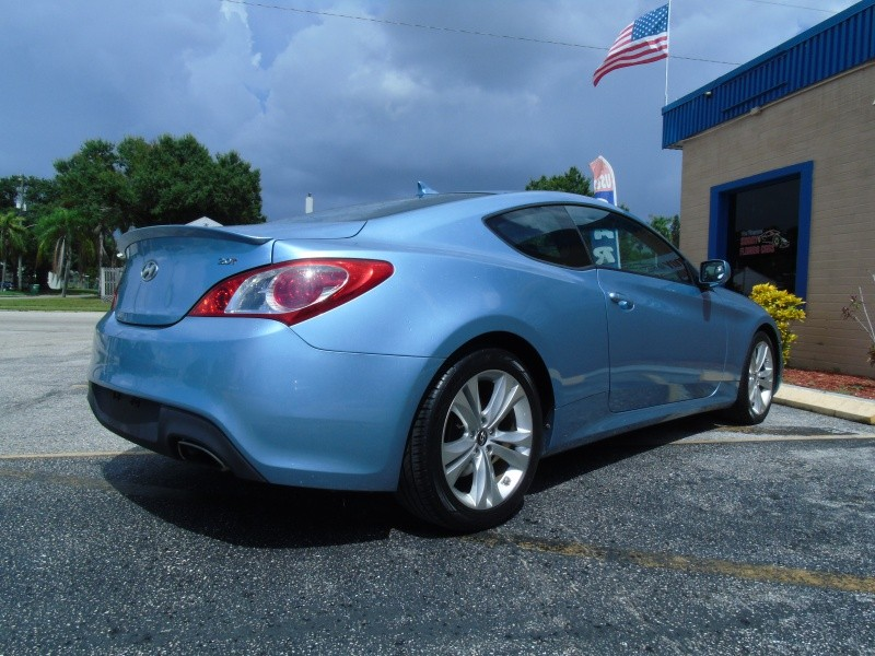 Hyundai Genesis Coupe 2011 price $8,900