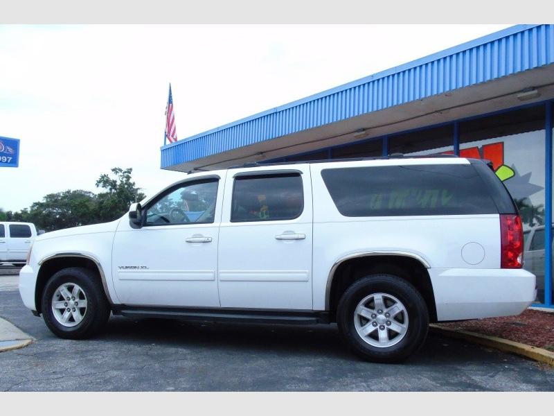GMC Yukon XL 2013 price $16,900