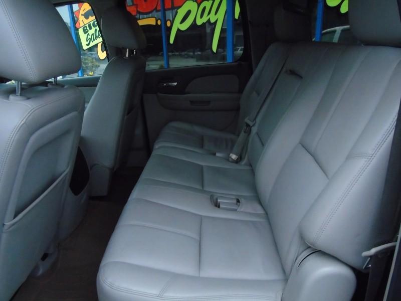 GMC Yukon XL 2013 price $14,900