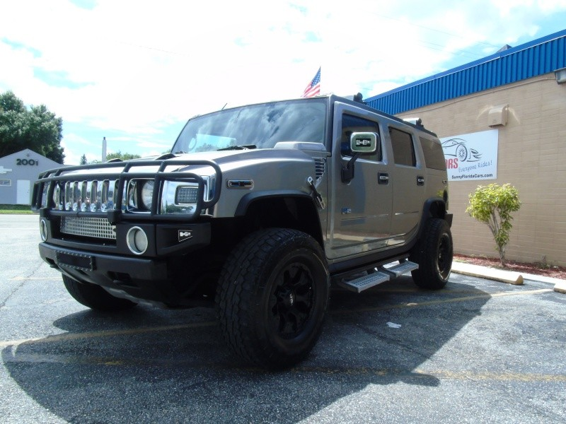 Hummer H2 2003 price $13,900