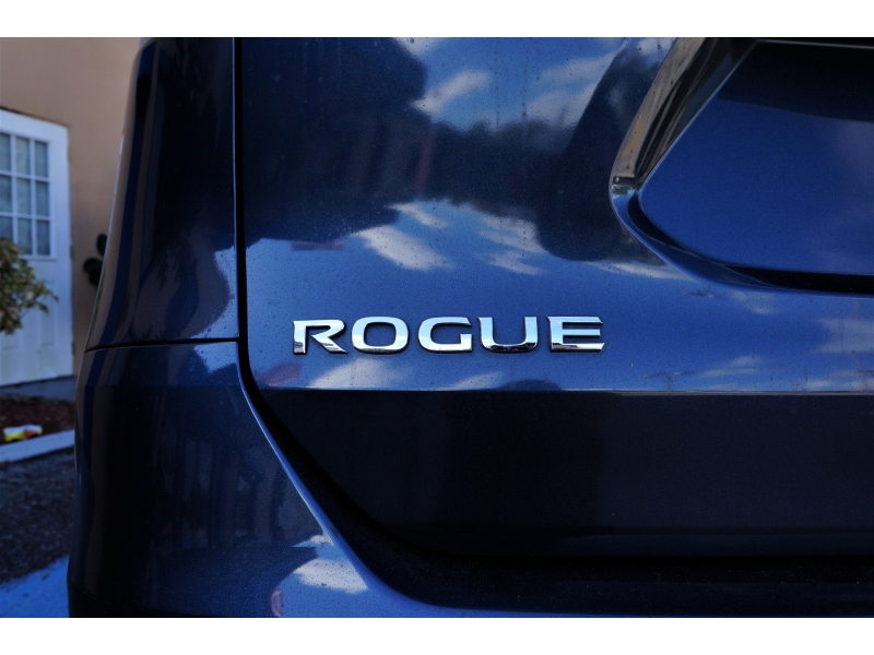 Nissan Rogue 2015 price 11900