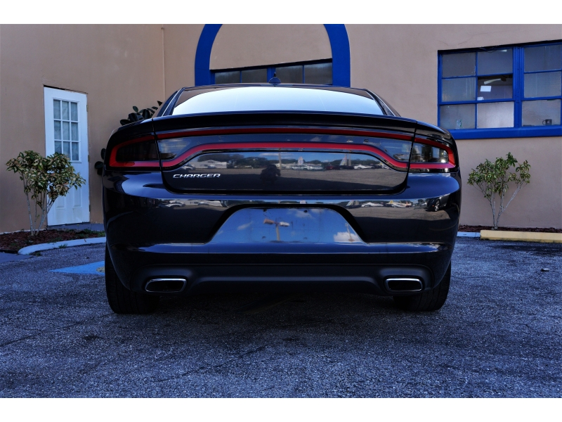 Dodge Charger 2016 price $13,900
