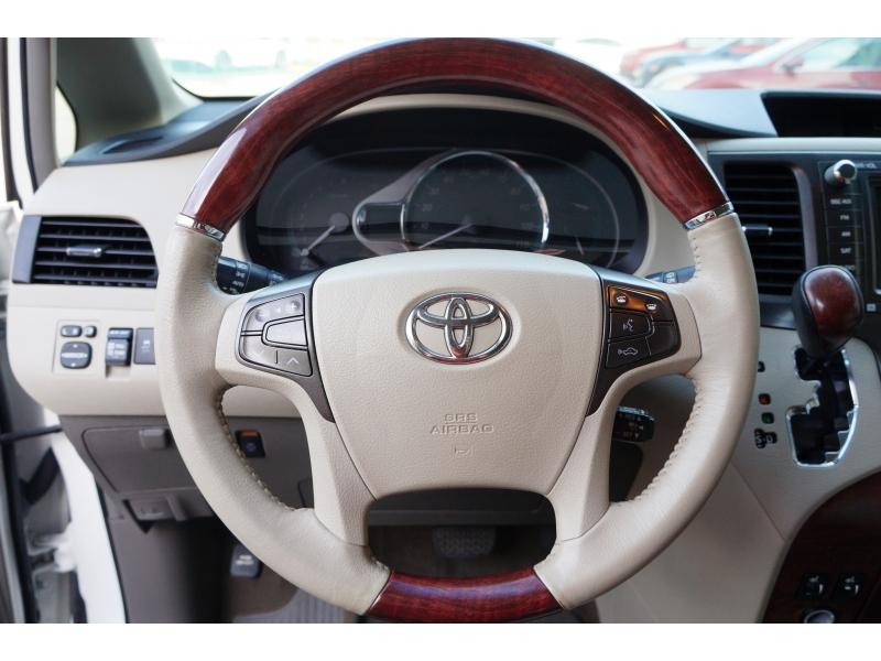 Toyota Sienna 2013 price $14,900