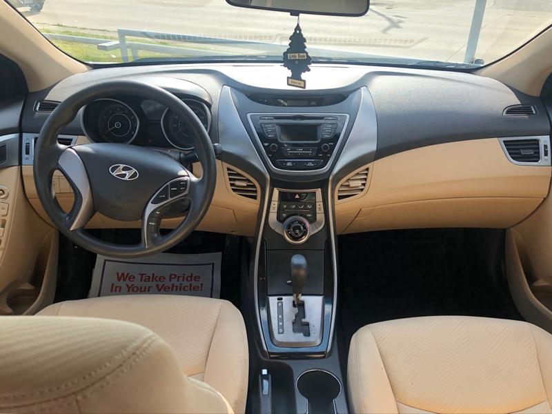 Hyundai Elantra 2013 price $9,850