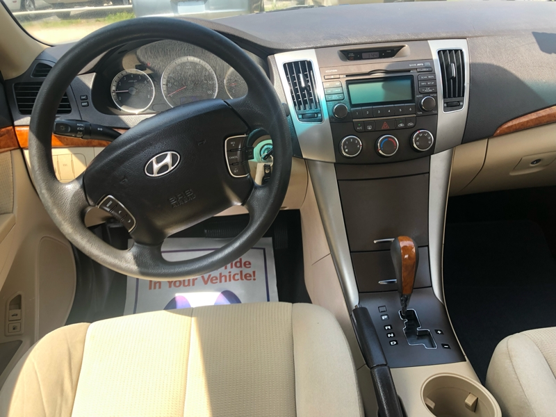 Hyundai Sonata 2009 price $8,950