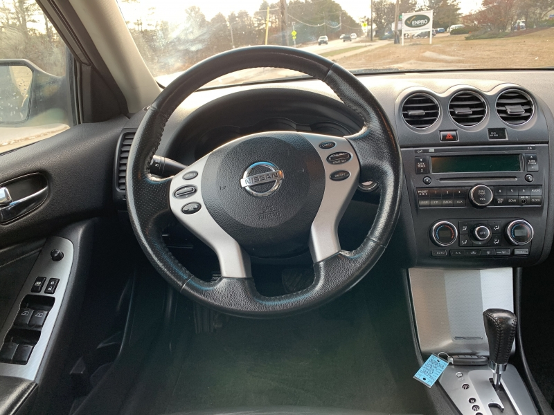 Nissan Altima 2008 price $3,785