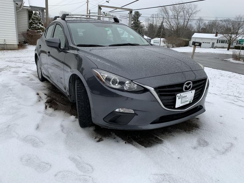 Mazda 3 2014 price $8,995