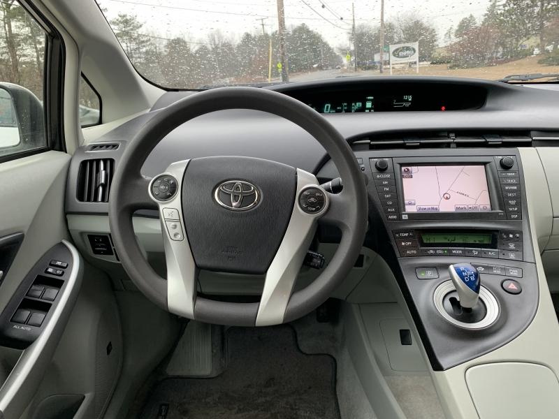 Toyota Prius 2011 price $8,895