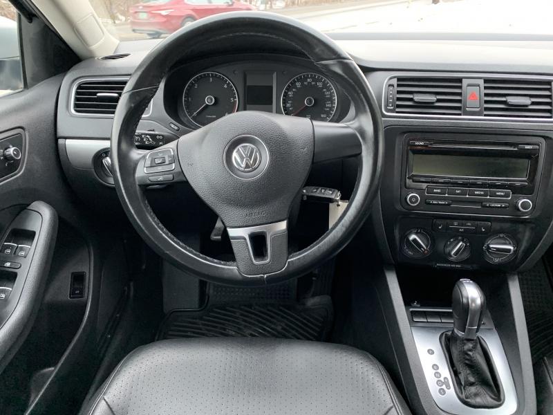 Volkswagen Jetta 2013 price $9,985