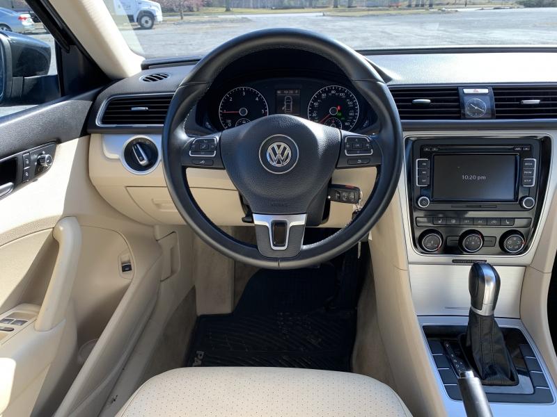 Volkswagen Passat 2013 price $11,785