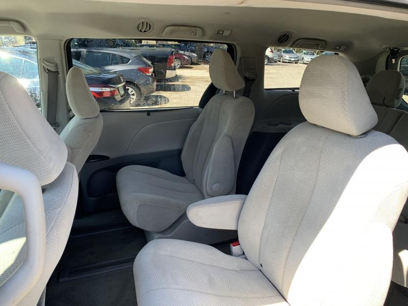 Toyota Sienna 2013 price $10,985