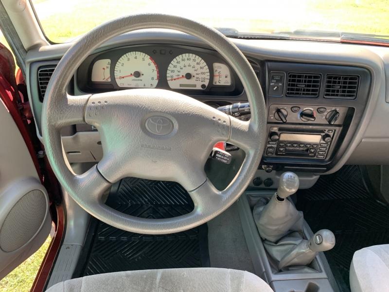 Toyota Tacoma 2004 price $7,895