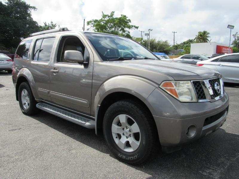 Nissan Pathfinder 2005 price $6,500