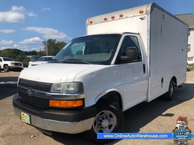 2004 *Chevrolet Express Commercial Cutaway* 139 WB 12 FOOT BOX SWING DOORS 97K CLEAN 6.0 VORTEC