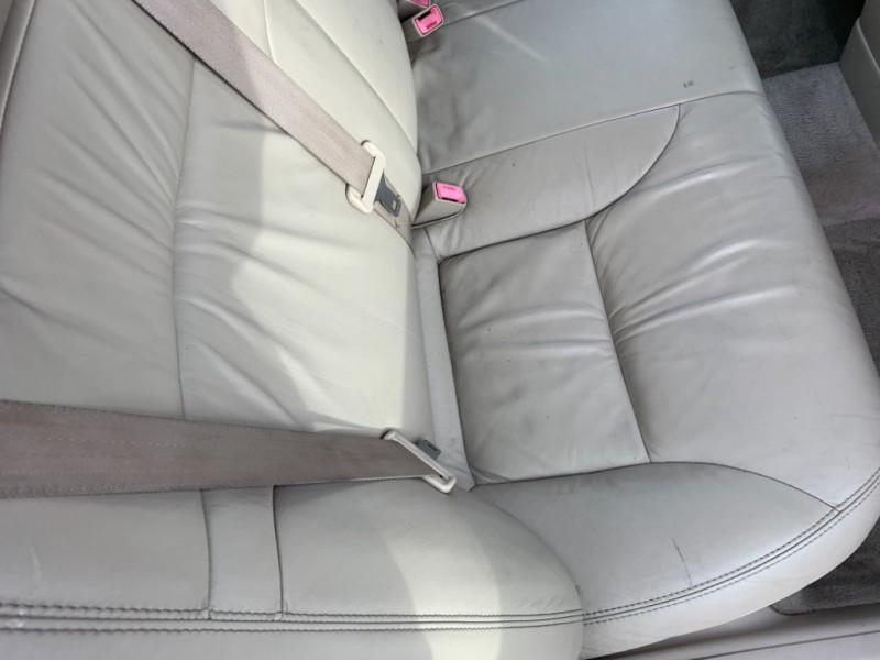Lexus ES 330 2004 price $3,995