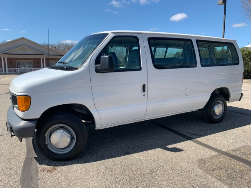 Ford Econoline Wagon 2006 price SOLD