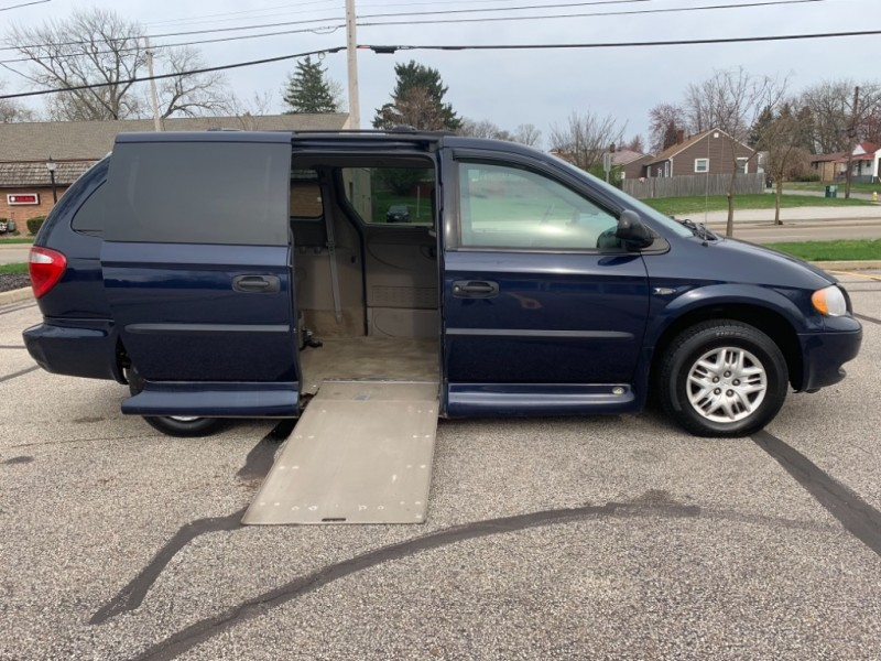 Dodge Grand Caravan 2004 price SOLD