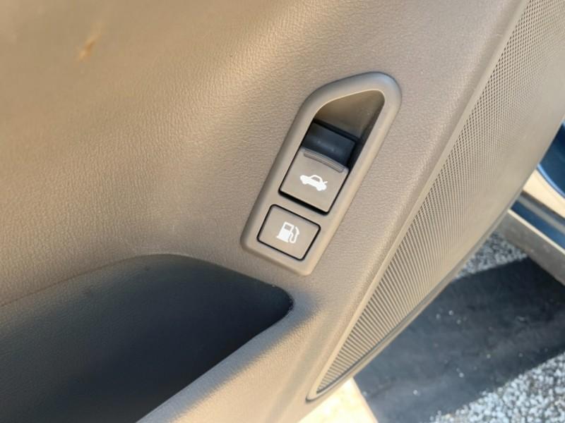Hyundai Sonata 2010 price SOLD