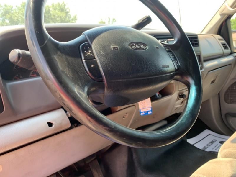 Ford Super Duty F-350 DRW 2001 price $8,995