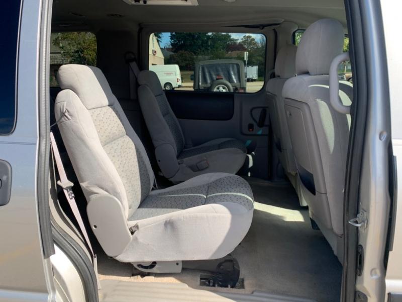Chevrolet Uplander 2006 price $2,495