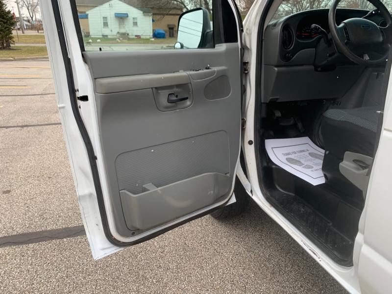 Ford Econoline Cargo Van 2008 price $4,495