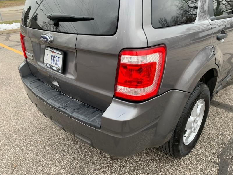 Ford Escape 2010 price $3,795