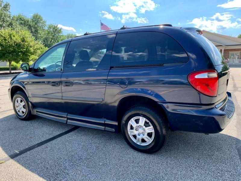 Dodge Grand Caravan 2005 price $8,995