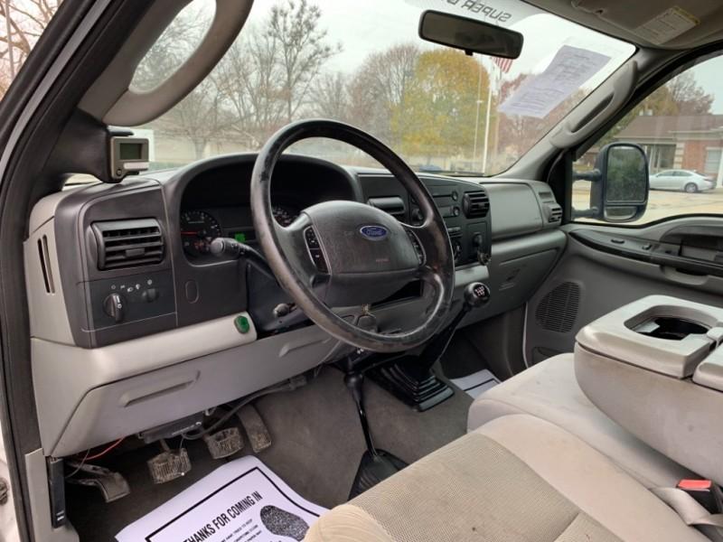 Ford Super Duty F-350 SRW 2005 price $9,995