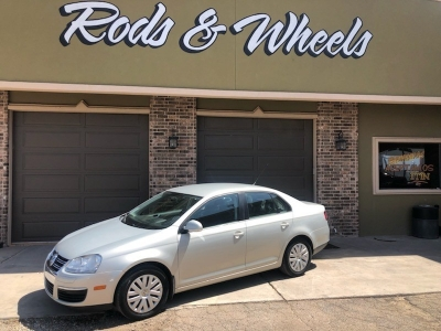 Rods and Wheels | Auto dealership in Roswell