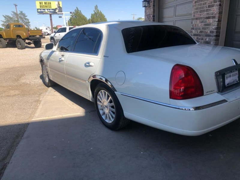 LINCOLN TOWN CAR 2003 price $4,950