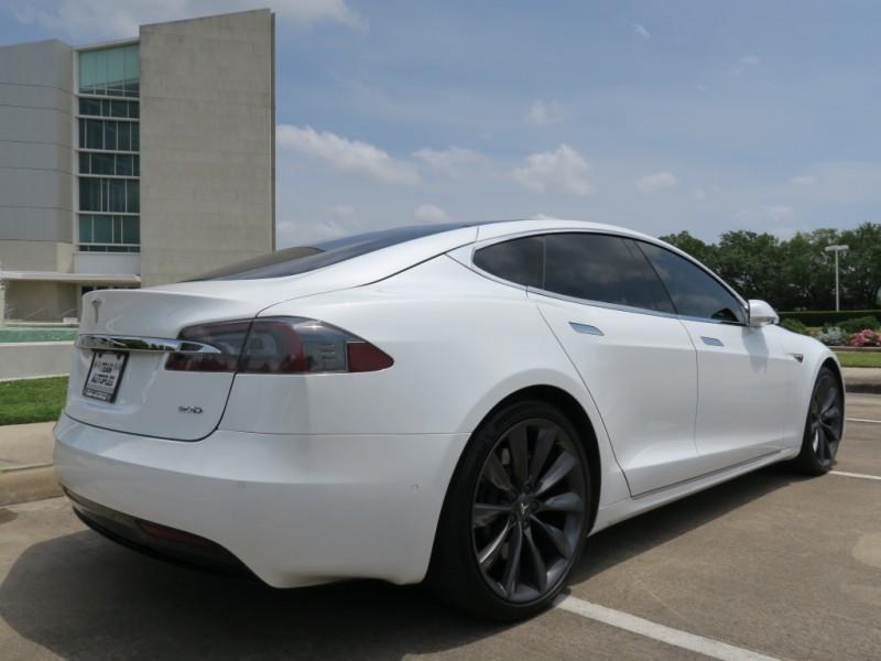 Tesla Model S 2016 price $62,999