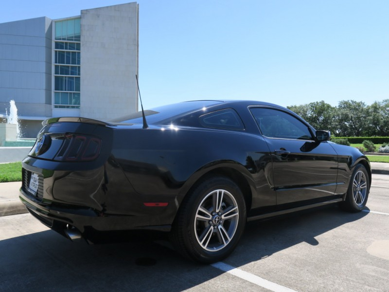 Ford Mustang 2013 price $11,699