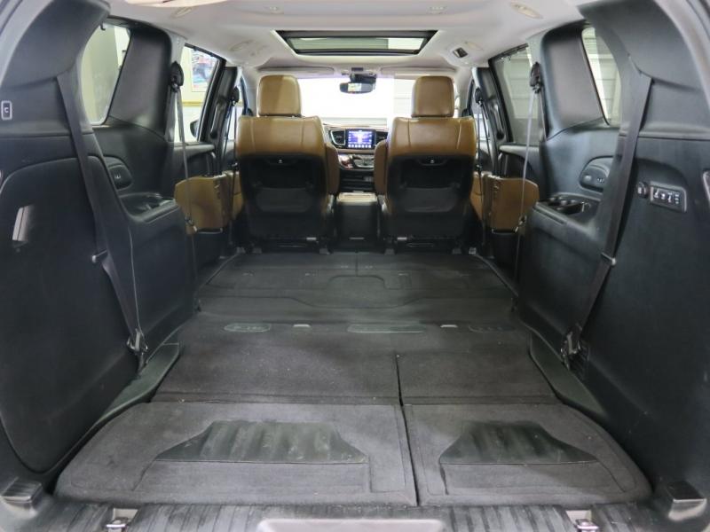 Chrysler Pacifica 2017 price $26,399