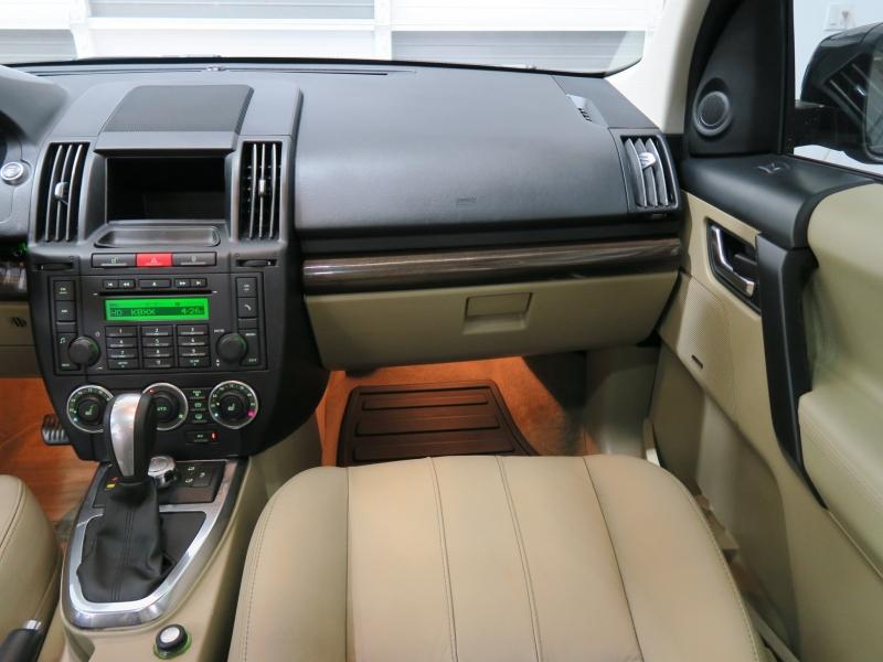 Land Rover LR 2 2012 price $11,499