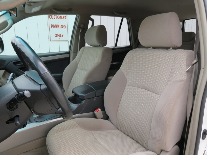 Toyota 4Runner 2005 price $12,499