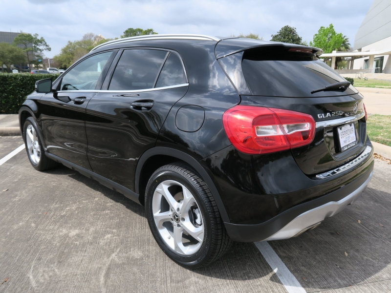 Mercedes-Benz GLA 2018 price $21,099
