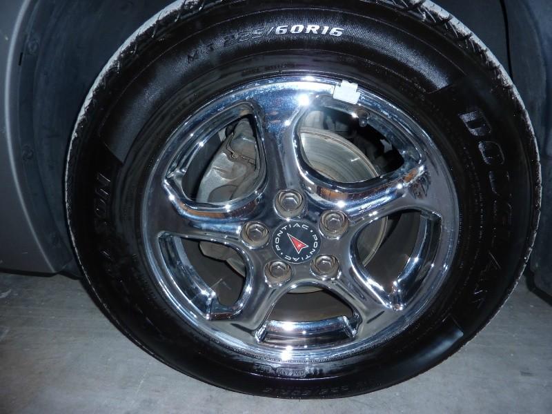 Pontiac Bonneville 2004 price $3,999