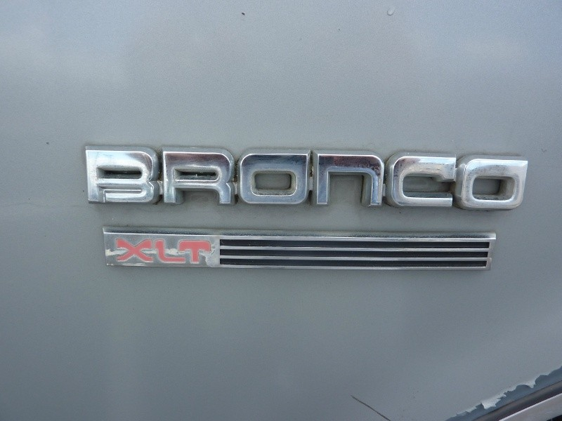 Ford Bronco 1990 price $7,999