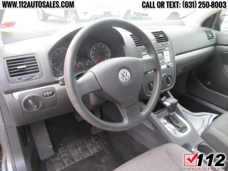 Volkswagen Rabbit 2008 price $8,495