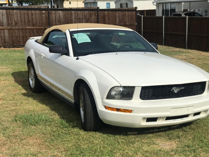 Ford Mustang 2008 price $4,900 Cash