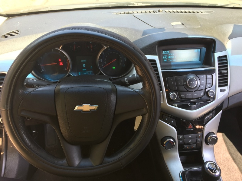 Chevrolet Cruze 2011 price $4,300