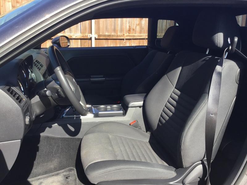Dodge Challenger 2014 price $10,300 Cash