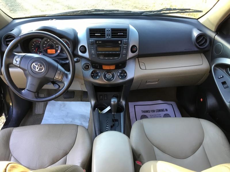 Toyota RAV4 2010 price $9,700 Cash