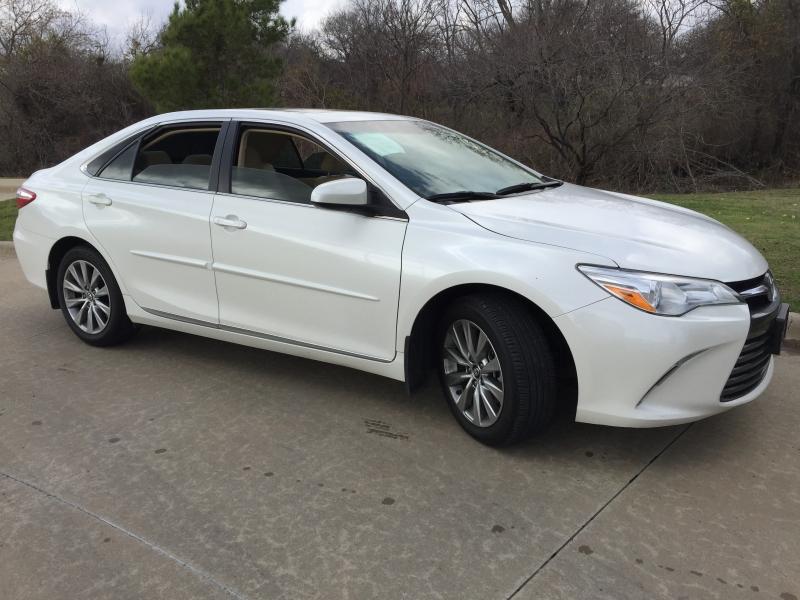 Toyota Camry 2017 price $11,900 Cash