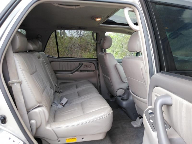 Toyota Sequoia 2006 price $5,990