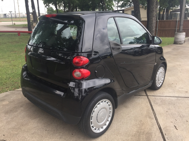 Smart fortwo 2013 price $4,990