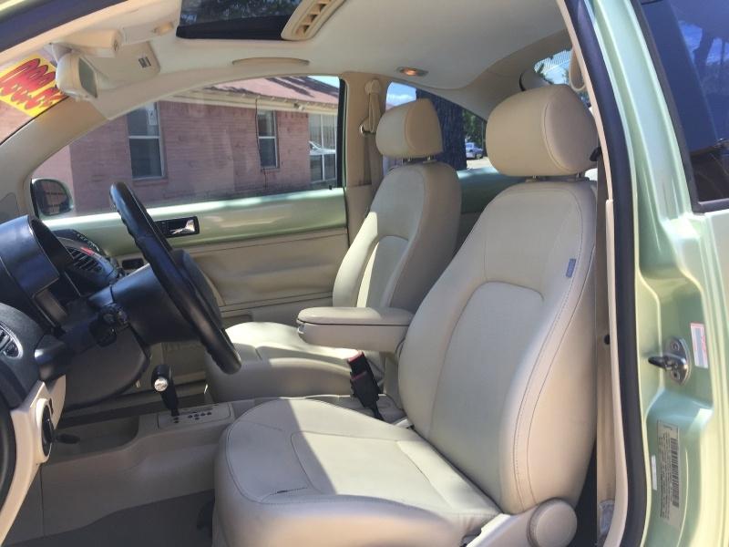 Volkswagen New Beetle Coupe 2009 price $5,990