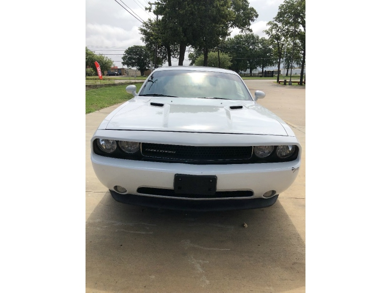 Dodge Challenger 2014 price $13,990
