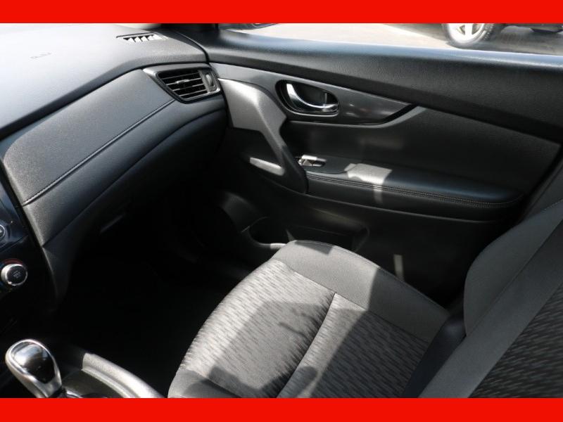 Nissan Rogue 2017 price $18,990
