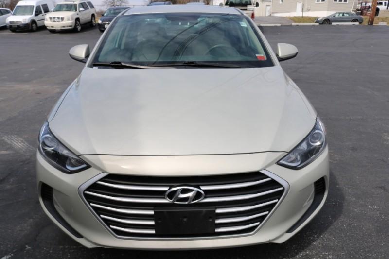 Hyundai Elantra 2017 price $15,990